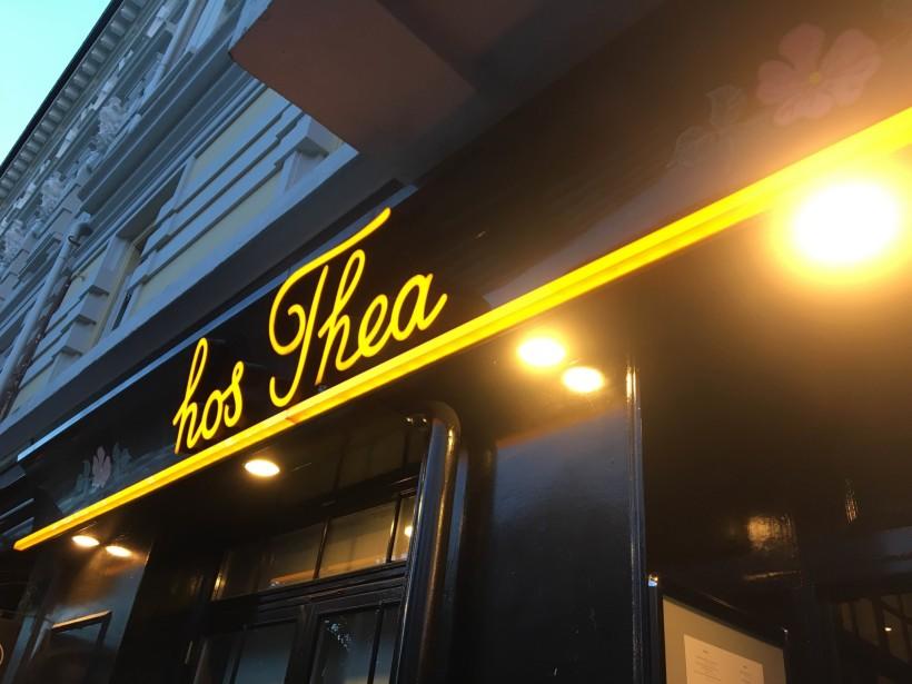 hos Thea